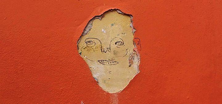 Personajes en pared | cronica urbana