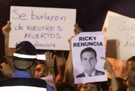 """Protestas llegan a la fortaleza ( detalle de foto (Ramón """"Tonito"""" Zayas))"""